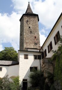 Věž hradu Roštejn